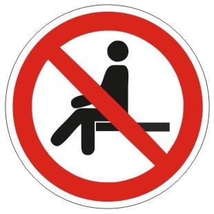 Verbotszeichen-1-P018-Sitzen verboten-DIN EN ISO 7010