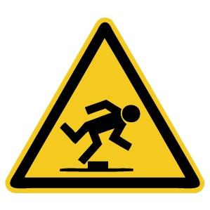 Warnzeichen-4-W007-Warnung vor Hindernissen am Boden-DIN EN ISO 7010