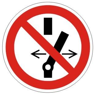 Verbotszeichen-1-P031-Schalten verboten-DIN EN ISO 7010